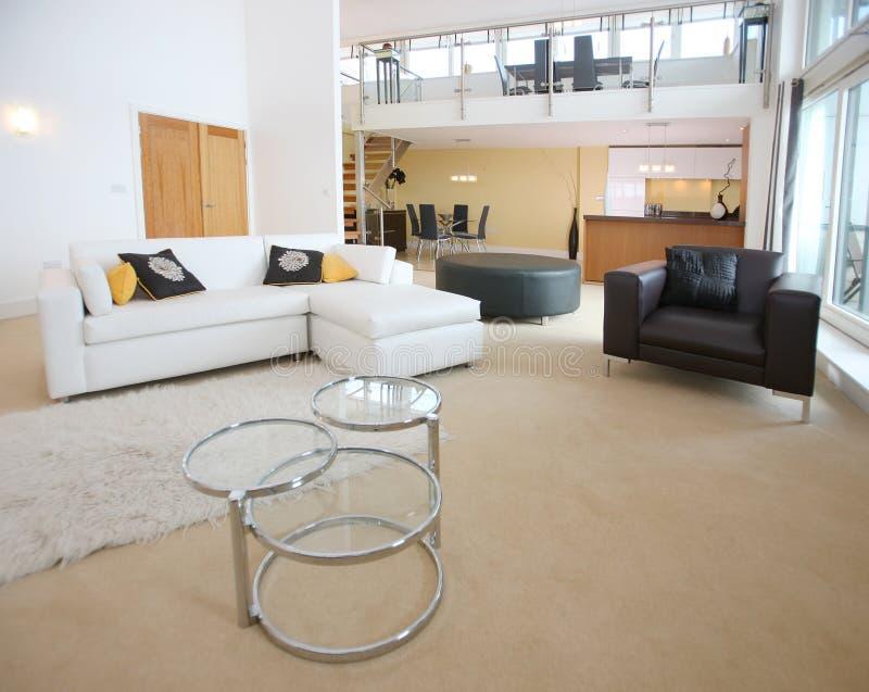 Appartement ouvert moderne de plan image libre de droits