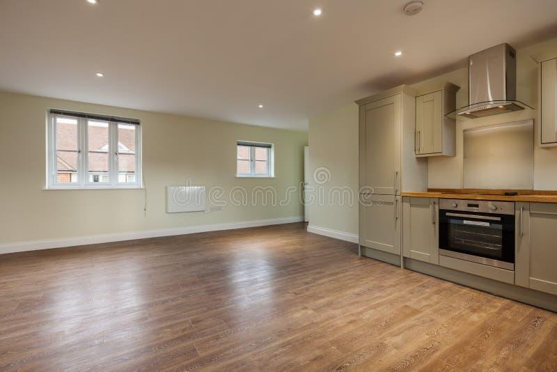 Appartement ouvert moderne de plan photographie stock