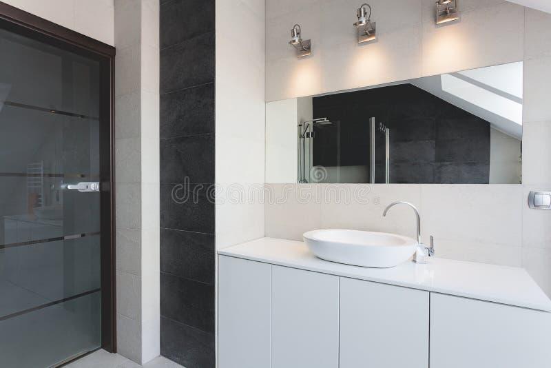 Appartement urbain - compteur de bain photos libres de droits