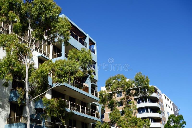 Appartements ayant beaucoup d'étages photographie stock libre de droits