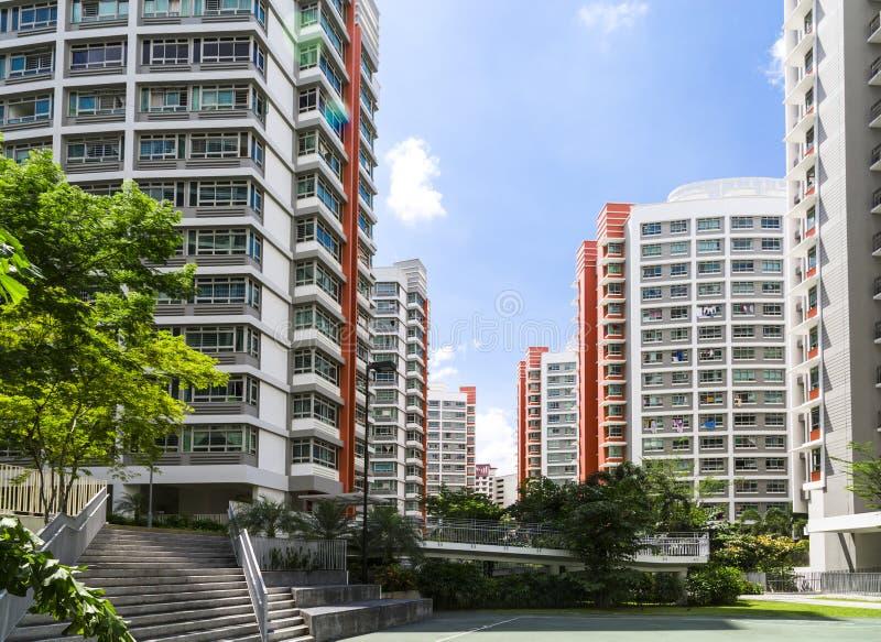 Appartements résidentiels de couleur orange images libres de droits
