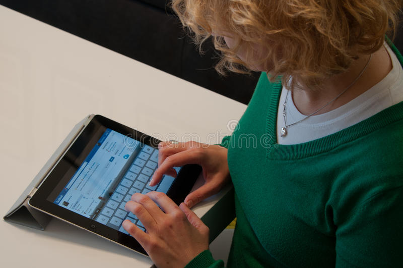 Appel iPad met Website Facebook royalty-vrije stock afbeelding