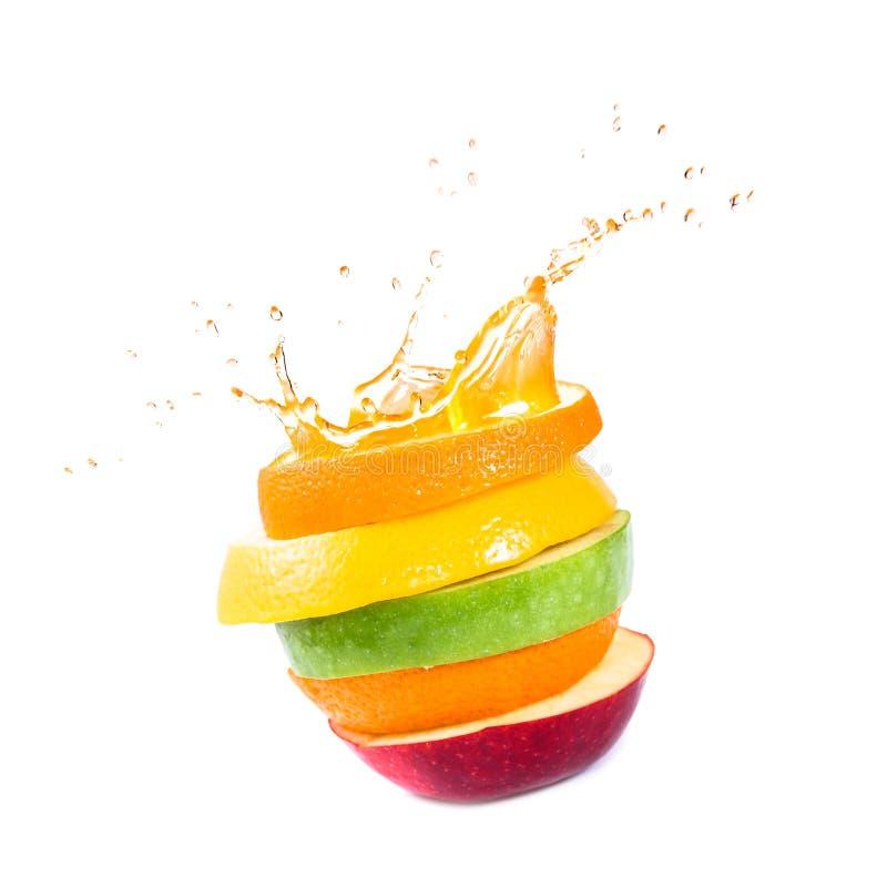 Appelen, sinaasappel en citrusvruchten. Plonssap. stock foto