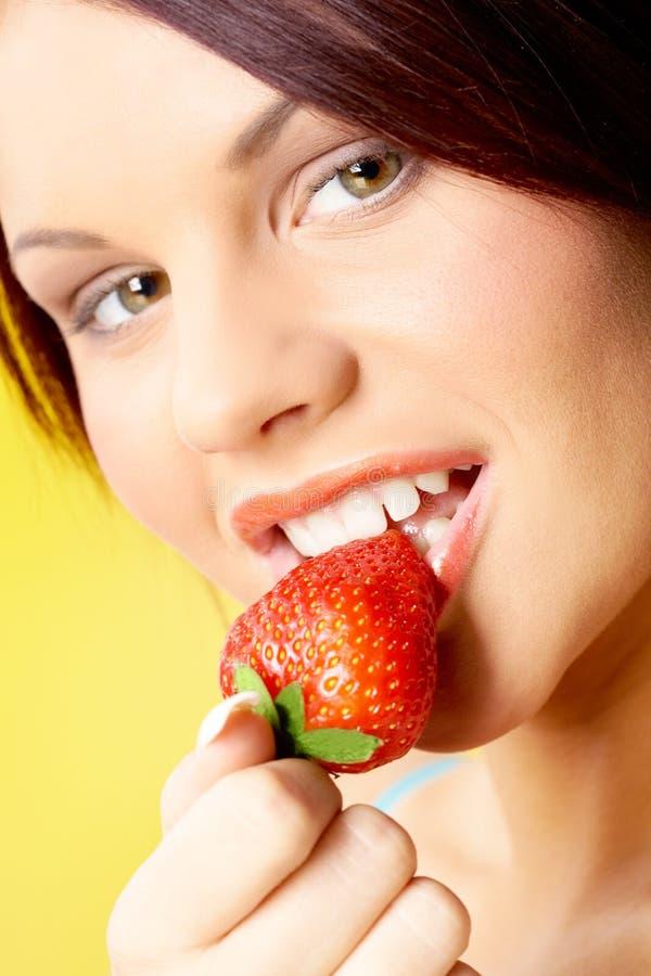 Appetitanregende Erdbeere lizenzfreies stockbild