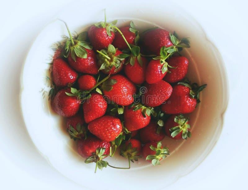 Appetitanregende Erdbeere lizenzfreies stockfoto