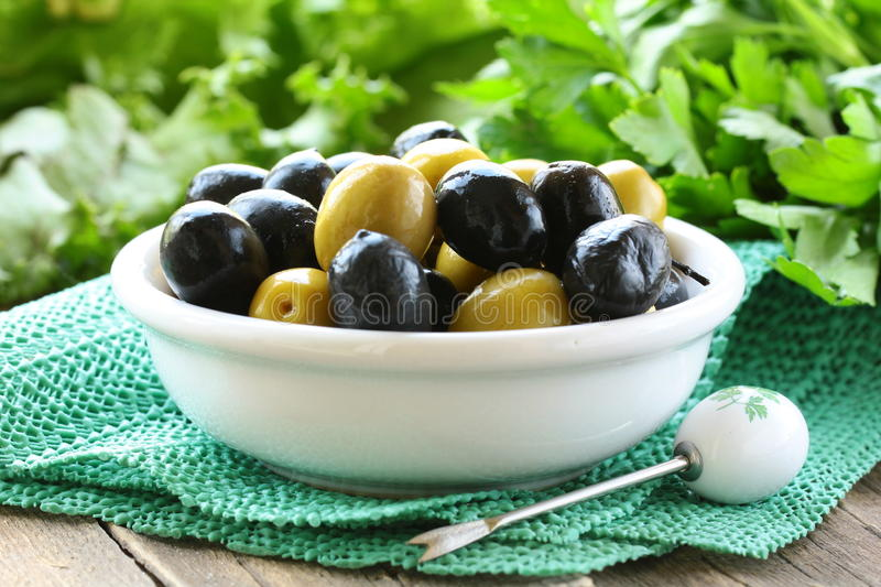 Appetizer Black And Green Olives Stock Images