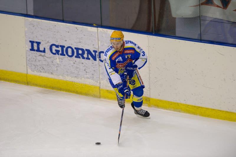 appiano błękitny c świetlicowa eppan h hokejowa Milan czerwień vs zdjęcie royalty free