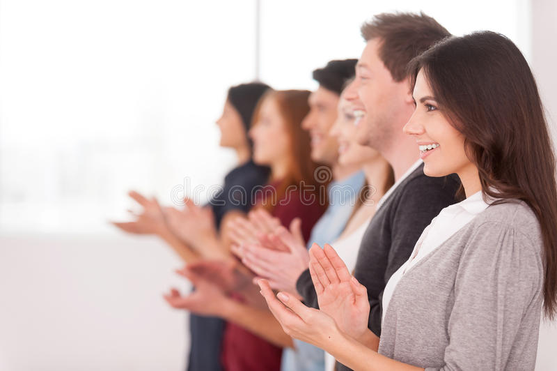 Applaudierende Leute. lizenzfreie stockfotografie