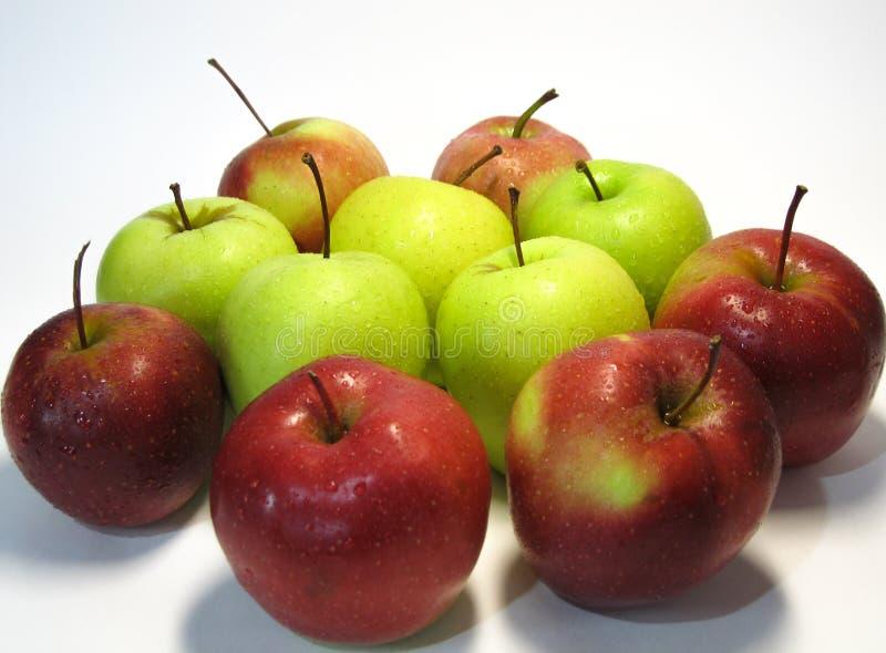 Apple är frukten för nummer ett i den grundläggande människan bantar Smaken och fördelarna av denna som man har råd med frukt har royaltyfri fotografi