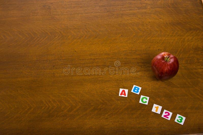 Apple, ABC y números fotografía de archivo libre de regalías