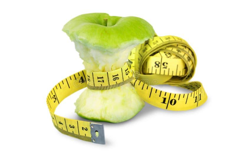 Download Apple Alimentare Con La Misura Di Nastro Intorno Al Centro Degli IIts Immagine Stock - Immagine di fine, sano: 117975089