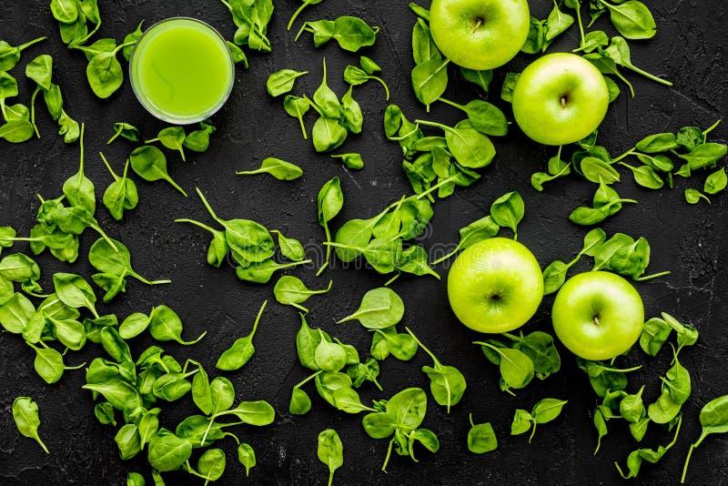 Apple, celeriac Warzywa dla greeny organicznie smoothy dla sport diety na ciemnym tło odgórnego widoku mockup fotografia royalty free