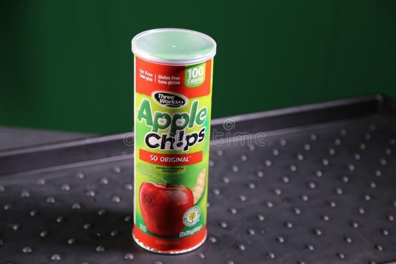 Apple chiper - nyheterna av äpplen! fotografering för bildbyråer