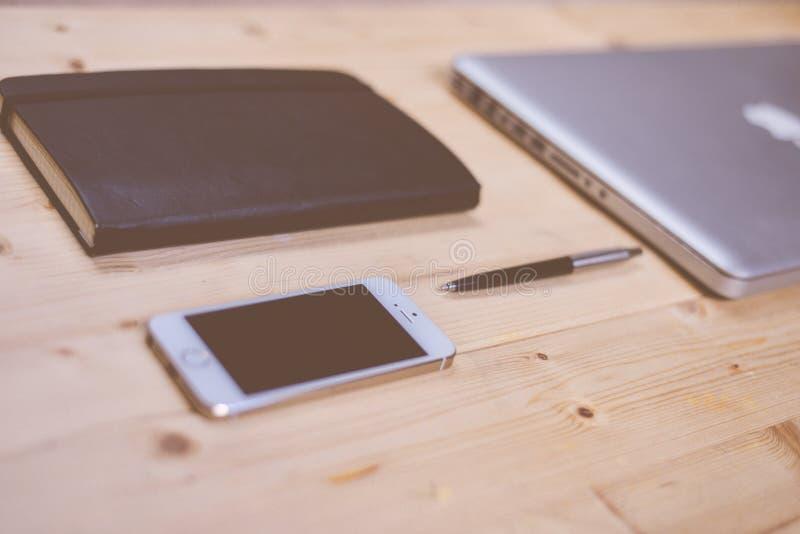 Apple Computer y smartphone fotos de archivo