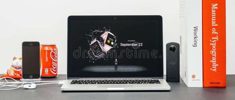 Apple dá o tom básico com disponibilidade para pedir Apple olha fotos de stock royalty free