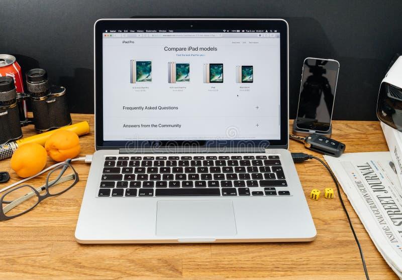 Apple-datorer på pro-senast meddelanden för WWDC av ipad jämför royaltyfria foton