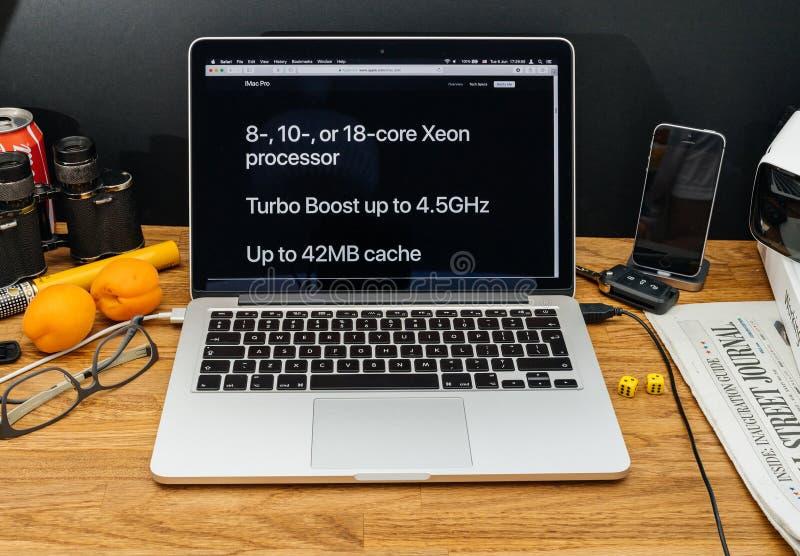Apple-datorer på senast meddelanden för WWDC av iMac pro-Xeon pr royaltyfri fotografi