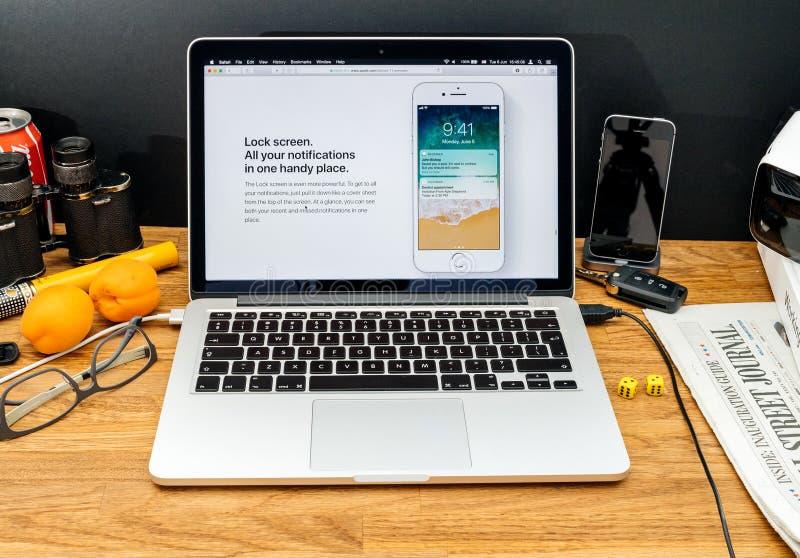 Apple-datorer på senast meddelanden för WWDC av låsskärmios arkivfoto