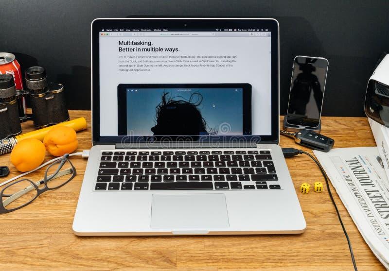 Apple-datorer på senast meddelanden för WWDC av multitaskingen för royaltyfria foton