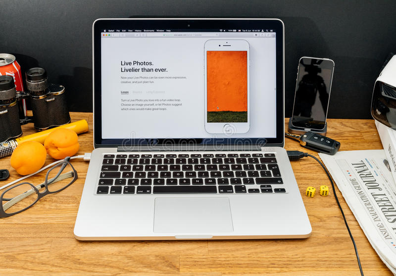 Apple-datorer på senast meddelanden för WWDC av nya levande foto, arkivfoton