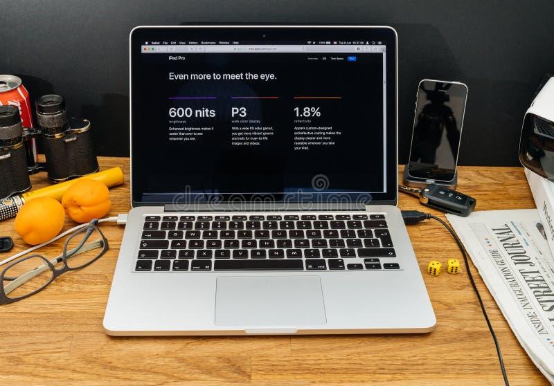 Apple-datorer på senast meddelanden för WWDC av pro-intelligens för ny ipad arkivfoton