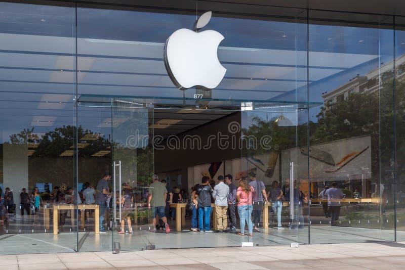 Apple detaljistingång royaltyfri fotografi