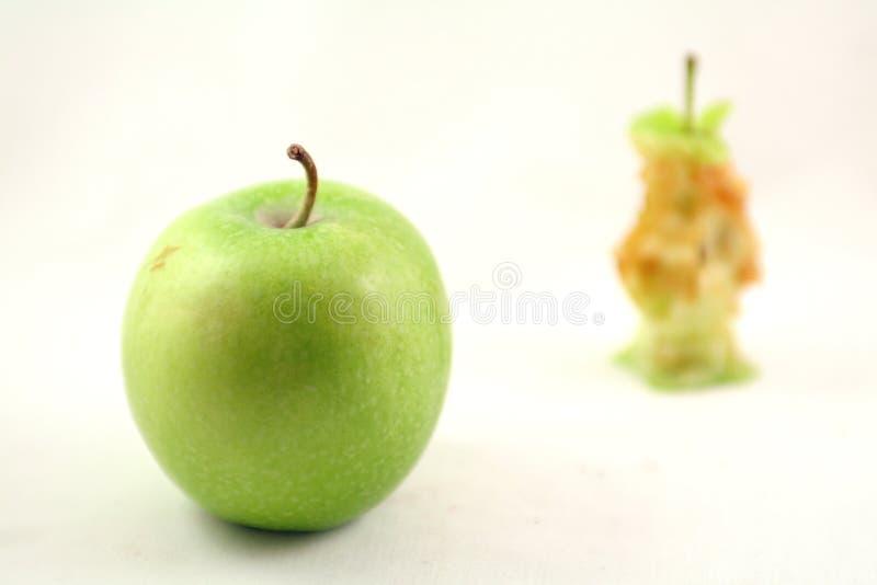 Apple e núcleo da maçã imagens de stock