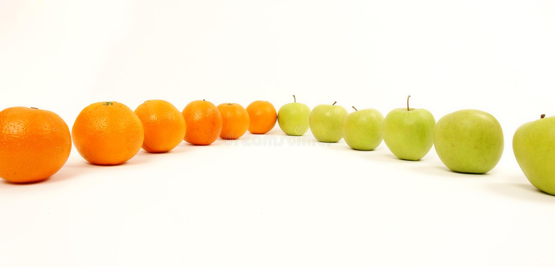 Apple ed aranci immagine stock libera da diritti