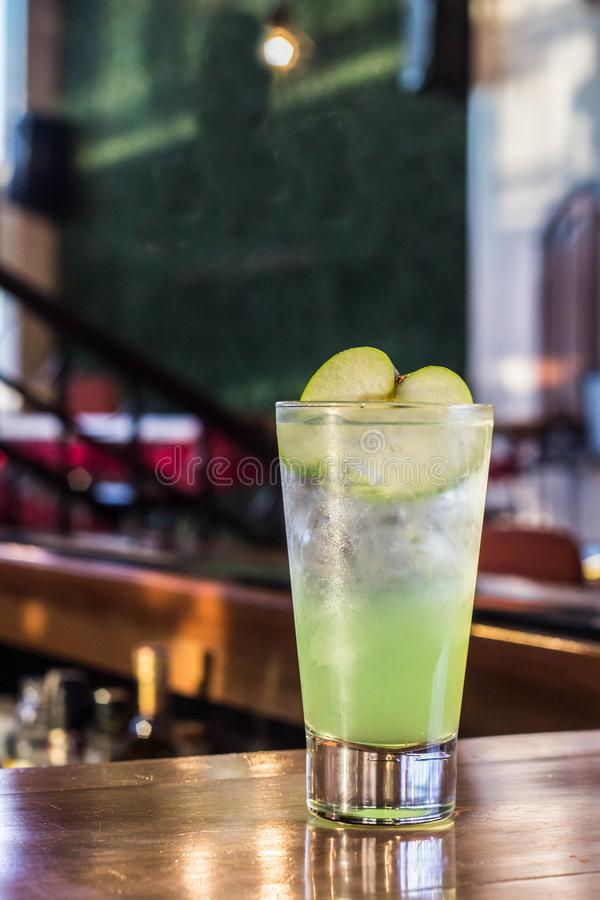 Apple Fizz Cocktail stockfoto