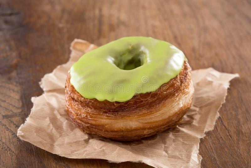 Apple-Fondanthörnchen- und -donutmischung stockfotografie