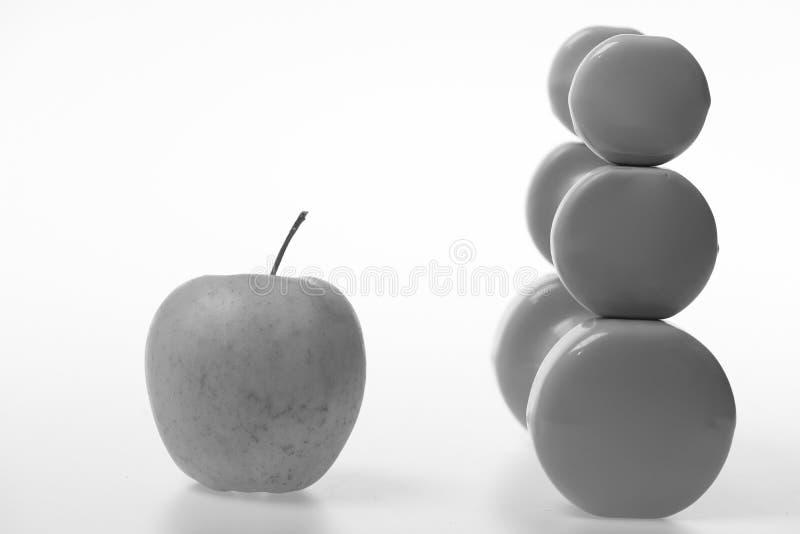 Apple frukt och skivstånger i det olika formatet, sidosikt royaltyfria foton