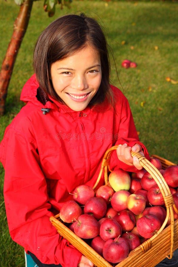 Apple-Herbstfrau stockbild