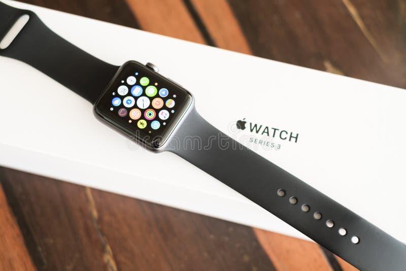 Apple-Horlogereeks 3 GPS royalty-vrije stock afbeeldingen