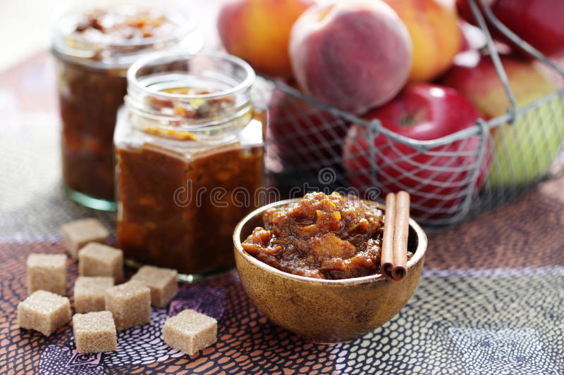 Apple i brzoskwini chutney obrazy royalty free