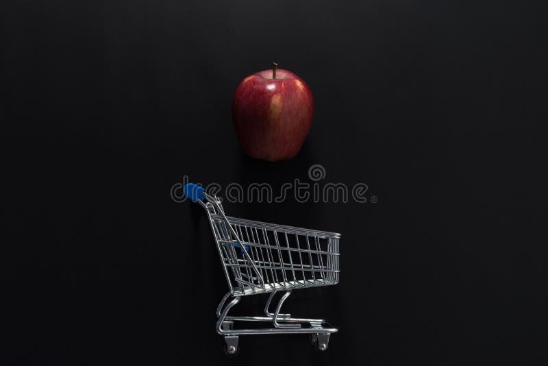 Apple i wózek na zakupy obrazy royalty free