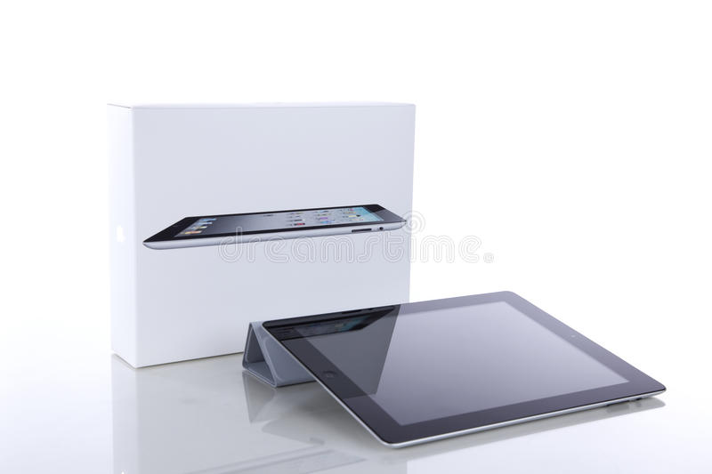 Apple iPad 2 with Smart Cover and original box