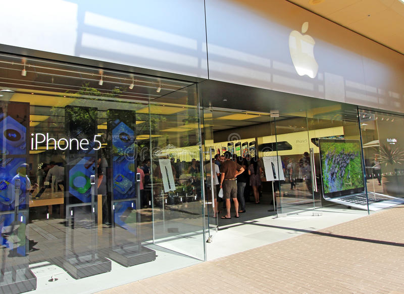 Download Apple iPhone Crowd editorial photography. Image of commerce - 26835657