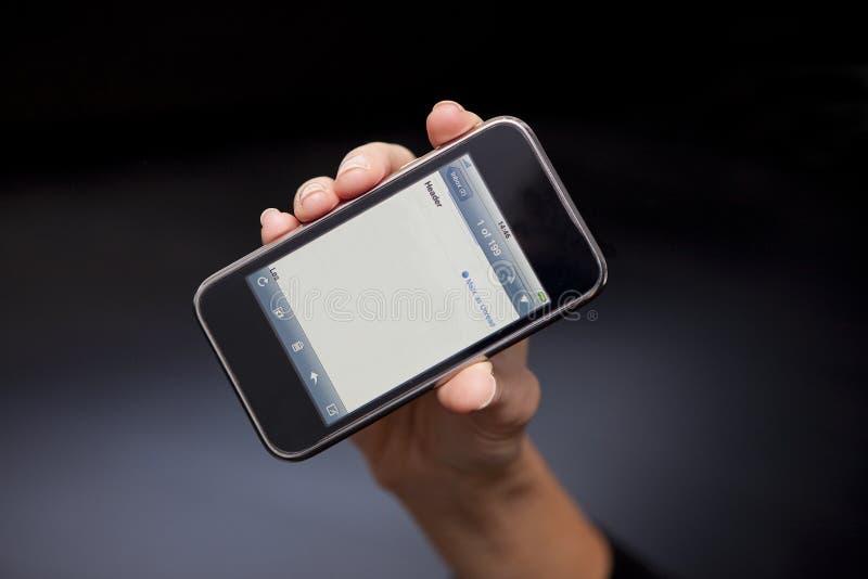 Apple iPhone 3GS med den nya Emailskärmen royaltyfri fotografi