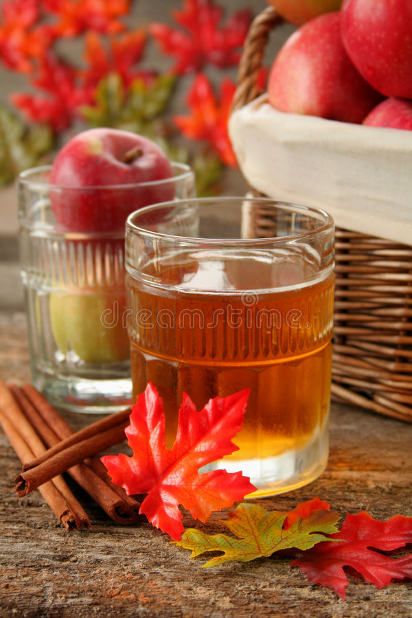 Free Apple Juice Royalty Free Stock Photos - 6395728