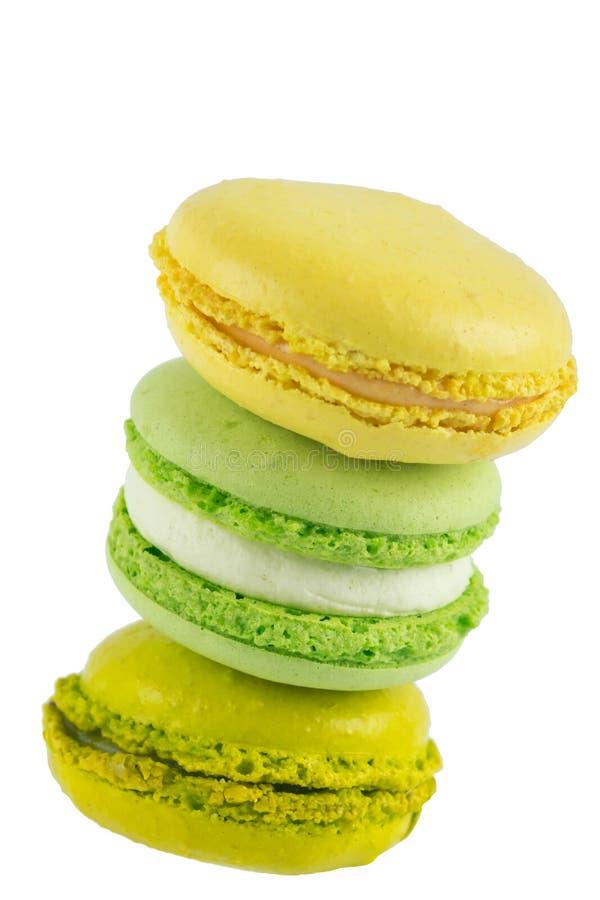 Apple-koekjes macaron toren en citroen, op witte achtergrond royalty-vrije stock afbeelding