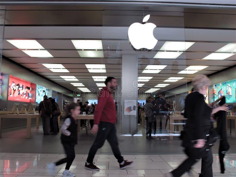 Apple lager i Rome royaltyfri foto