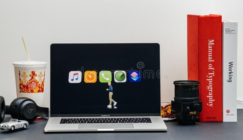 Apple lanseringsiPhone maximal X s och X R arkivfoton