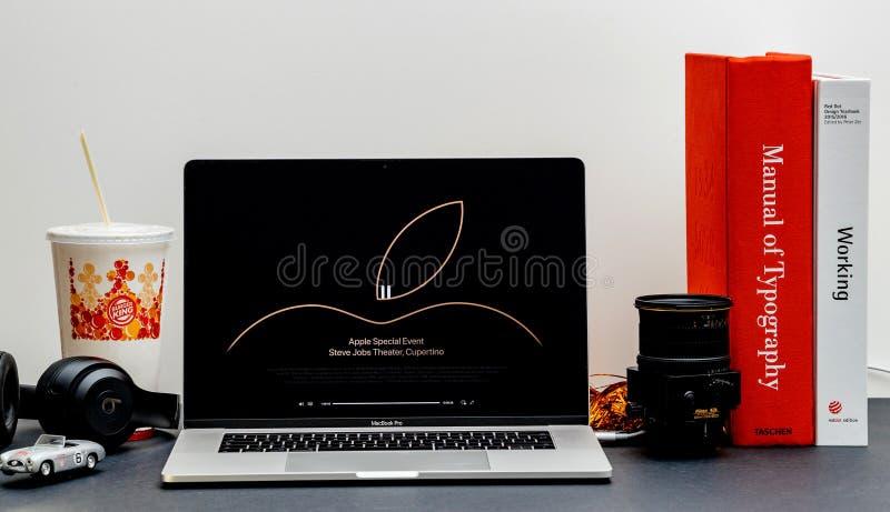 Apple lanseringsiPhone maximal X s och X R arkivbild