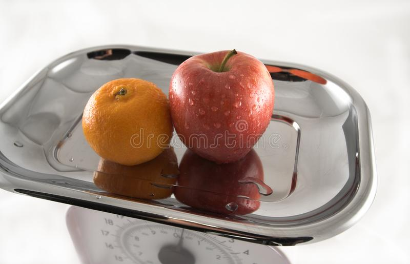 Apple & laranja imagens de stock