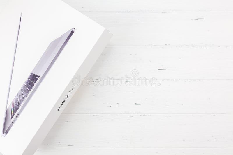 Apple-Macbook Prolaptop de hoogste mening van de computerdoos stock foto