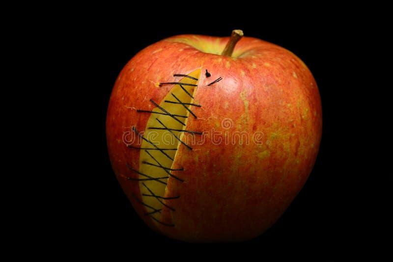 Apple met littekens royalty-vrije stock fotografie