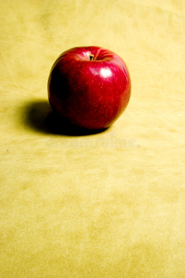 Download Apple na camurça foto de stock. Imagem de alimento, vermelho - 60794