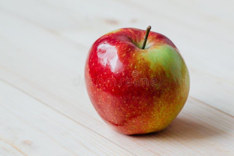 Apple Na Deskach Bezpłatna Domena Publiczna Cc0 Obraz