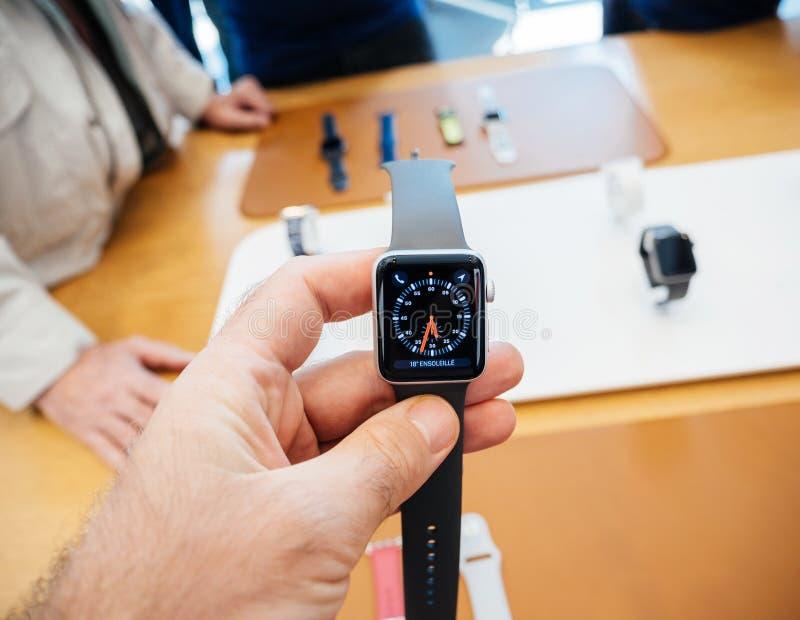 Apple novo olha o relógio do tachymeter da série 3 fotografia de stock