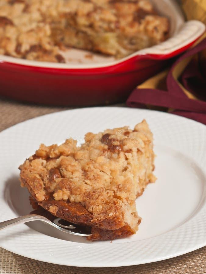 Apple panent, gâteau au café de crème sure photographie stock